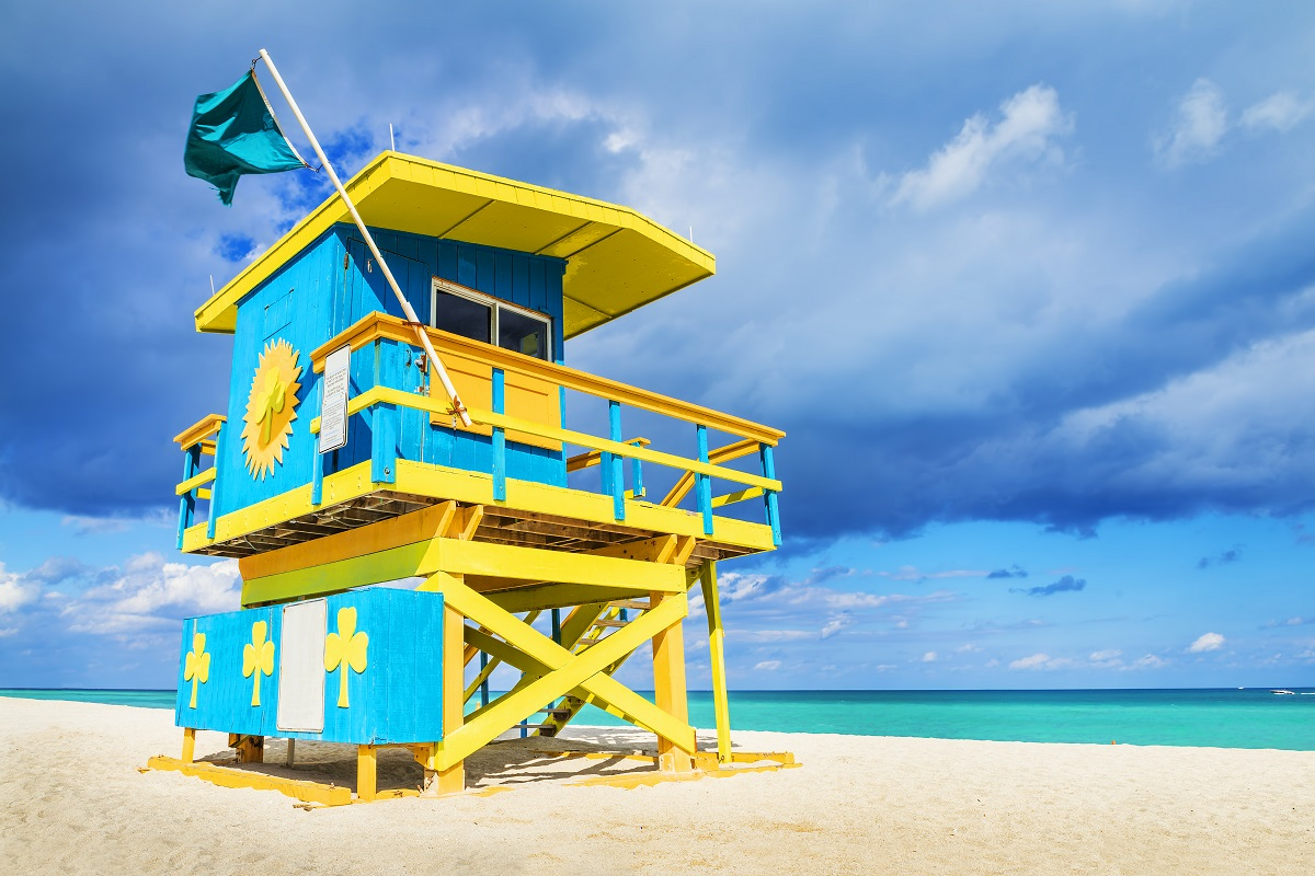 Florida_Miami_Colorful_Lifeguard_Tower_South_Beach_174202358.jpg