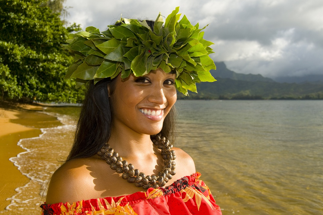 Hawaiian teenage girl _34286980.jpg