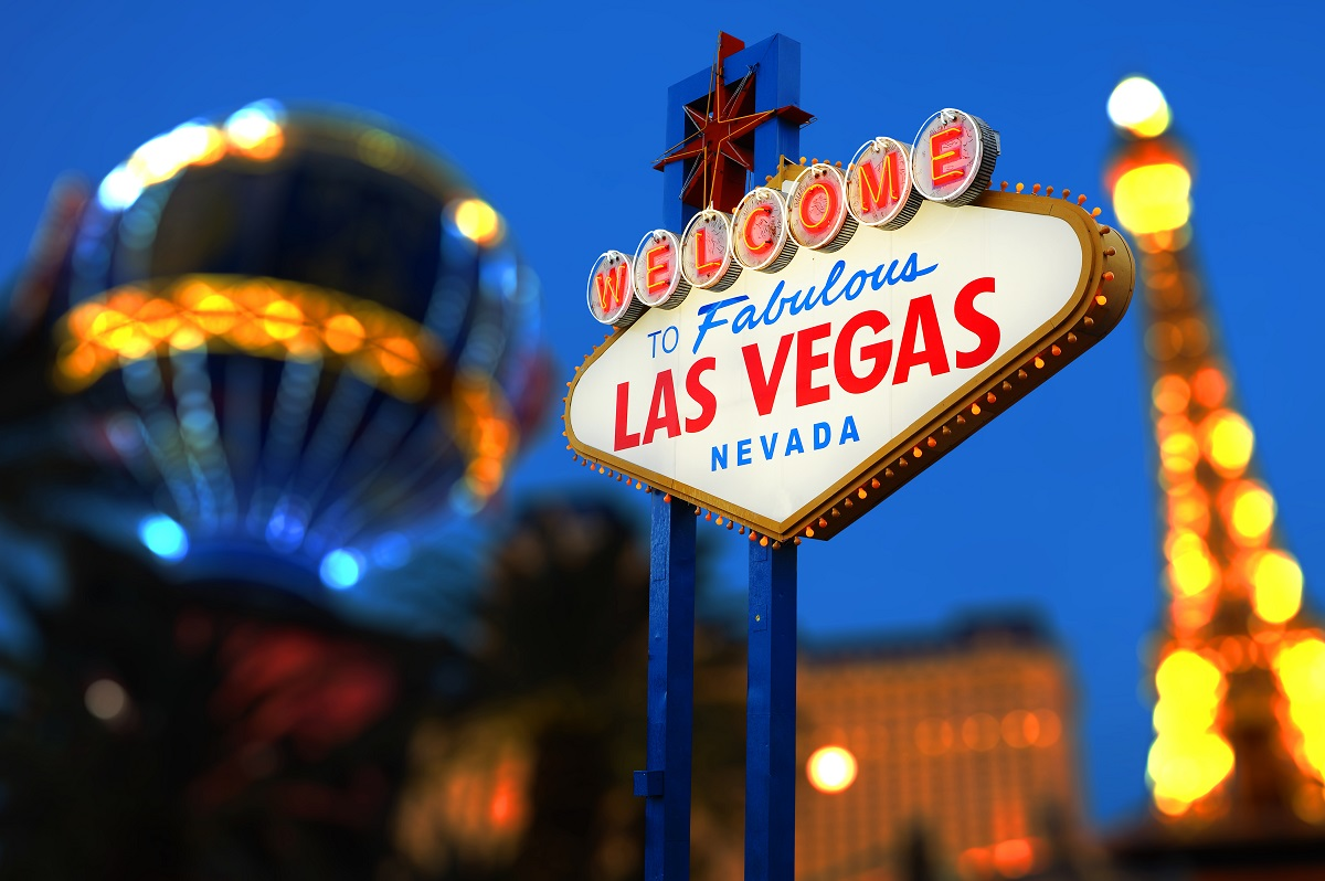 Las_Vegas_Welcome_neon_sign_156682802.jpg