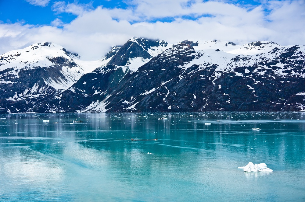 Glacier Bay in Mountains in Alaska, United States_shutterstock_184534859.jpg